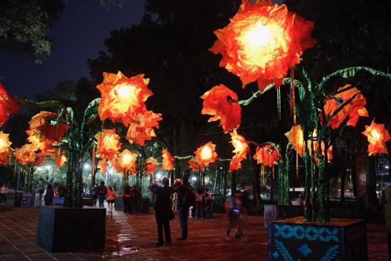 """la primera seccion del bosque de chapultepec recibe 11 instalaciones en el recorrido """"celebrando la eternidad"""" que se llevara a cabo hasta el 3 d 2"""