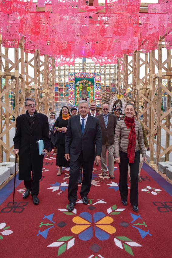presidente inaugura ofrenda monumental de dia de muertos 2