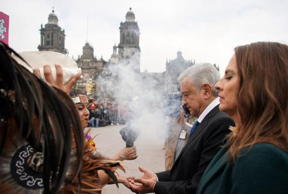 presidente inaugura ofrenda monumental de dia de muertos 3