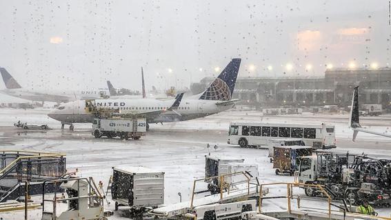 una de las peores tormentas invernales en otono que se registra en estados unidos; hay temperaturas muy bajas en por lo menos 15 estados 2