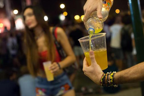 el desarrollo de consumo compulsivo de alcohol esta relacionado con dos regiones involucradas en el control del comportamiento 1