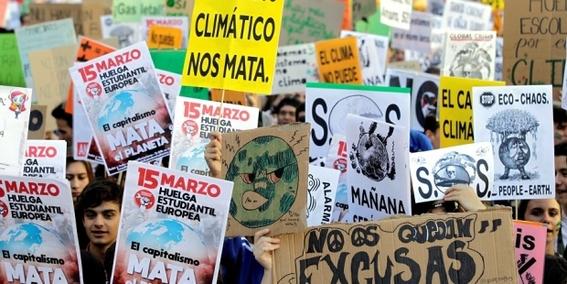 la resolucion convierte a europa en el primer continente en declarar la emergencia climatica con lo que se pide implementar acciones para contene 1