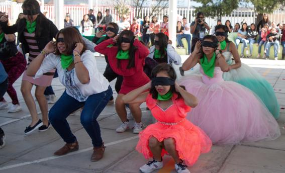 las jovenes alzaron la voz en un performance dedicado a la violencia de genero que se vive en el municipio del estado de mexico 1