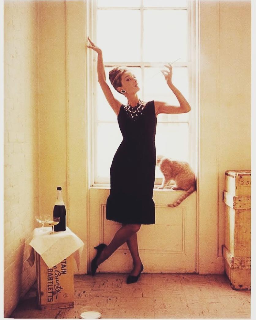 Los mejores diseños de Hubert de Givenchy bestido negro