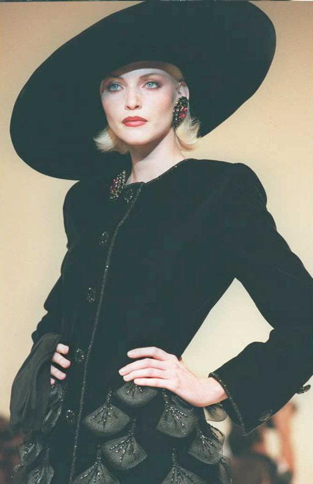Los mejores diseños de Hubert de Givenchy sombrero