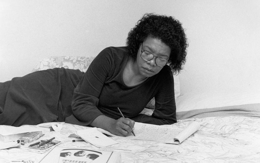 8 poemas de Maya Angelou, la mujer que luchó contra el racismo y la discriminación 3