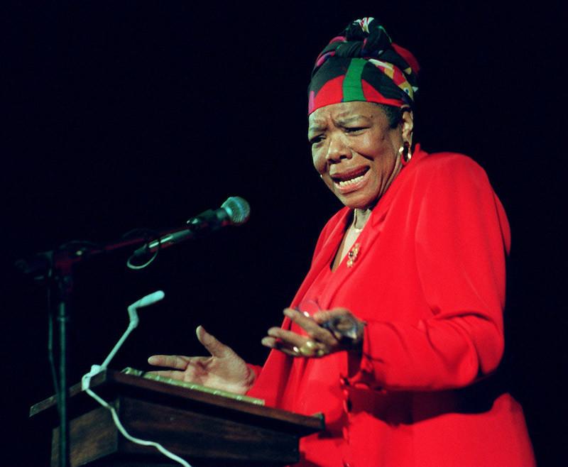 8 poemas de Maya Angelou, la mujer que luchó contra el racismo y la discriminación 5