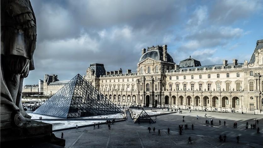 Concursa para dormir una noche en el Museo del Louvre de París 1