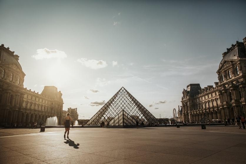 Concursa para dormir una noche en el Museo del Louvre de París 5