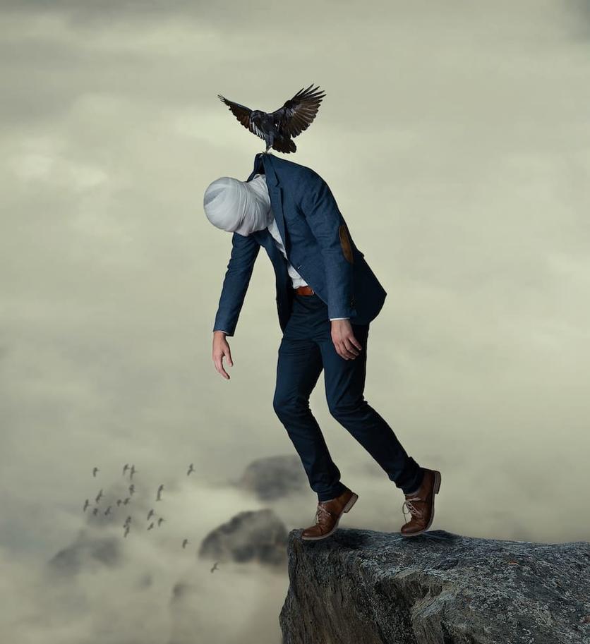 Fotografías surrealistas que delatan el lado más oscuro de nuestras almas  8