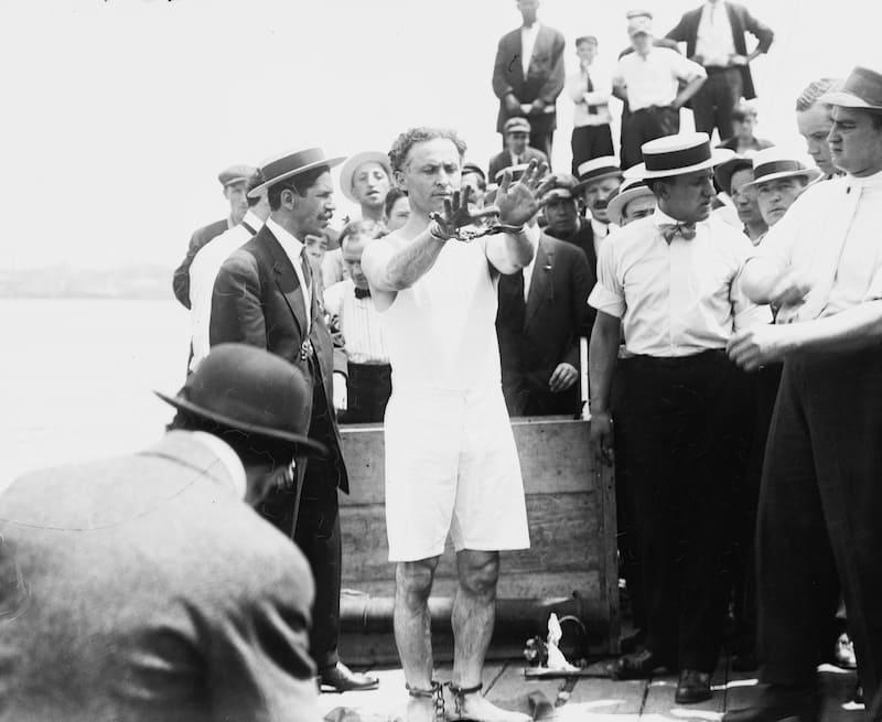 El día que Houdini le enseñó sus trucos de magia a soldados para que pudieran escapar 1