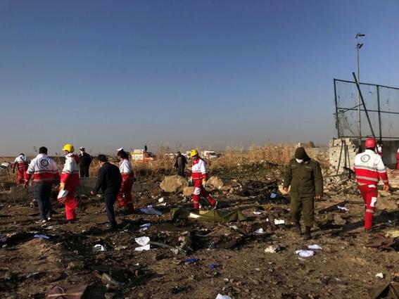 mueren todos los pasajeros que viajaban en avion estrellado en teheran 2