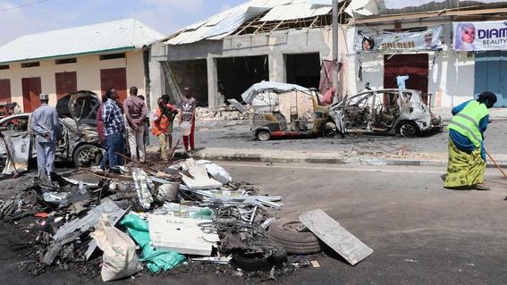 mueren cuatro personas por explosion de coche bomba en somalia 1
