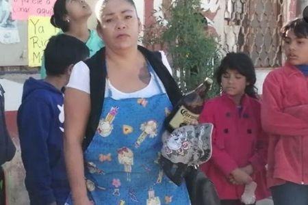 mujer intenta evitar suicidio con caguama en torreon 2