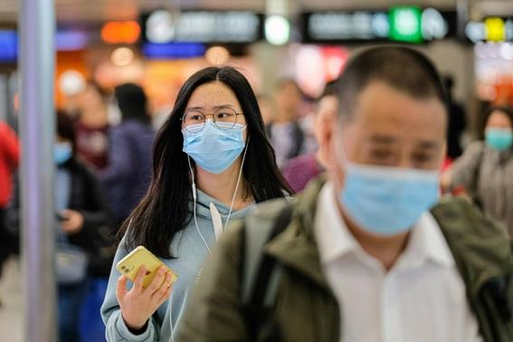 un hombre surcoreano de 55 anos que ha estado trabajando en la localidad china de wuhan epicentro del brote ha dado positivo en la prueba del  1