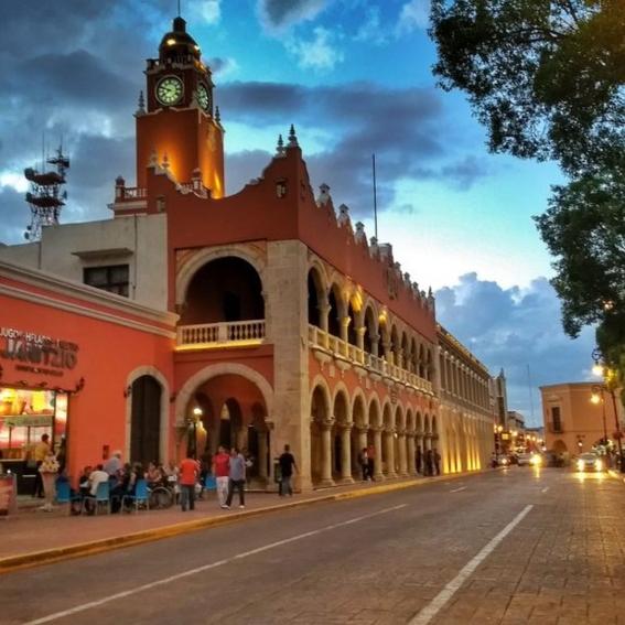 el tianguis turistico tendra una inversion de cerca de un millon de pesos tan solo en la superficie de exhibicion; el evento sera del 22 al 25 d 1