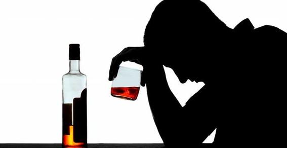 un estudio publicado en la revista scientific reports indica que el consumo diario de alcohol y tabaco podria estar asociado con una edad cerebra 1