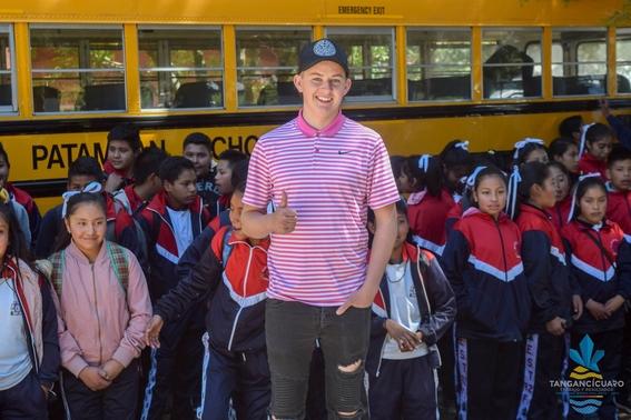 estudiantedeeudonaautobusescolaraescuelademichoacan 1