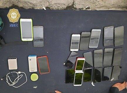 detienen a hombre por robar 21 celulares en el vive latino 2