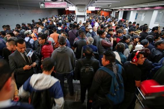la unam explico que el uso del transporte publico en las grandes ciudades hace a las personas que lo utilizan mas propensos a contraer el coronav 1