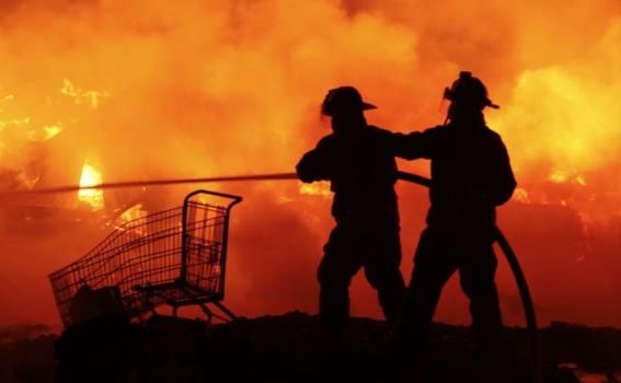 en el incendio se quemo un area aproximadamente de 3 mil metros cuadrados de llantas y basura de la central de abastos de la cdmx 2