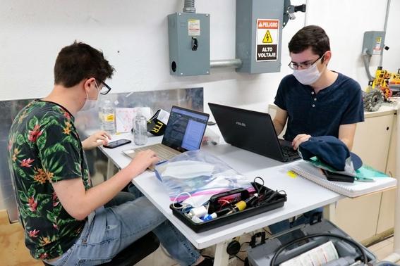 estudiantes de ingenieria en mecatronica crearon un respirador de bajo costo que puede ser utilizado sin luz 1