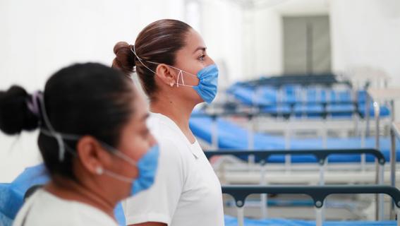 las mujeres son las mas expuestas a contagiarse de coronavirus en mexico pues representan 70 por ciento de personal sanitario del pais 2