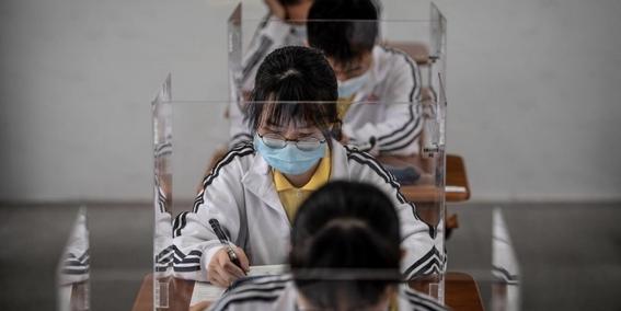 imagenes del regreso a clases en wuhan china 4