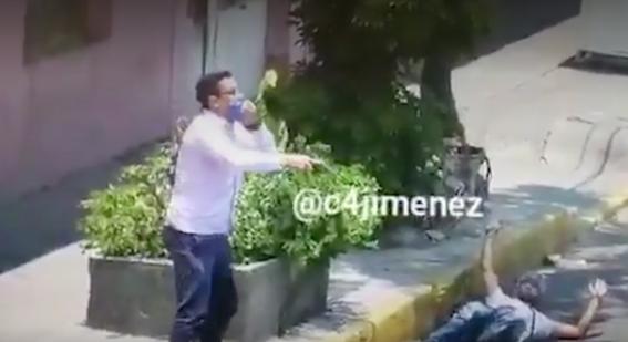 delincuente herido se arrastra y dispara contra policia en asalto a camion 1