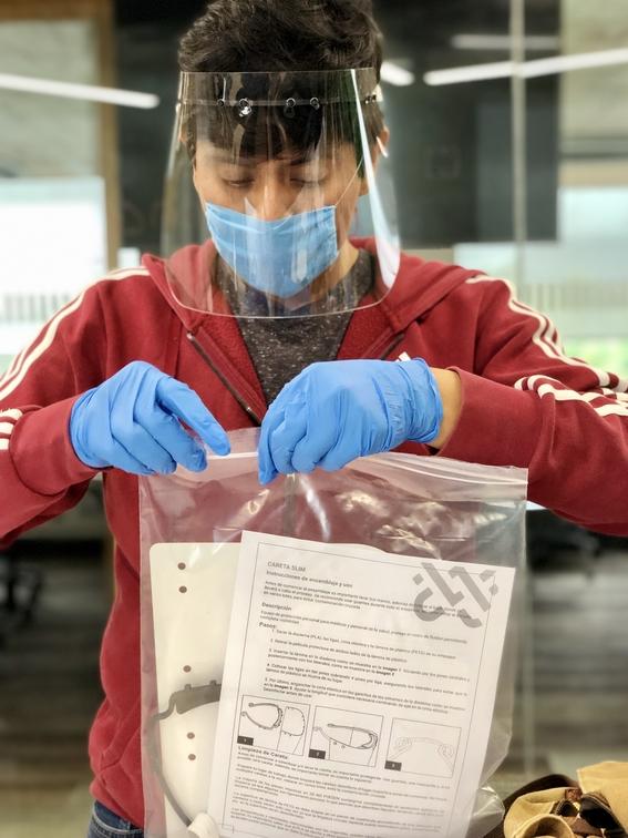 prothesia dona caretas para personal medico que lucha contra coronavirus 2