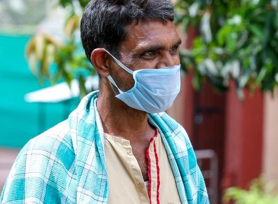 las poderosas imagenes de medicos en la india un pais azotado por el covid19 8
