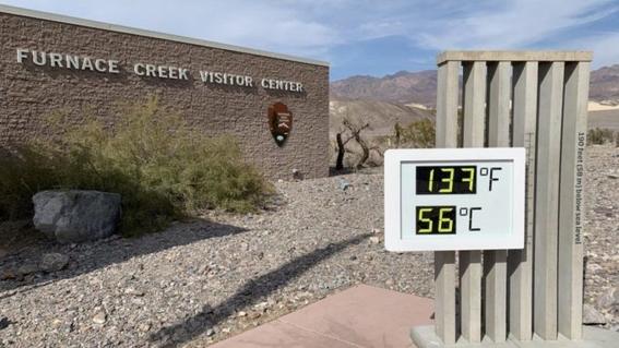 el parque nacional del valle de la muerte en california alcanzo los 54 grados el domingo marcando lo que podria ser la temperatura mas caliente  1