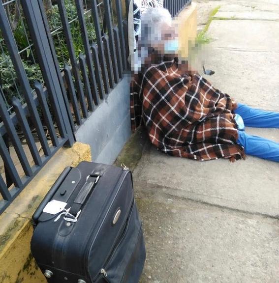echan a la calle a mujer de 88 anos de edad linares chile 1