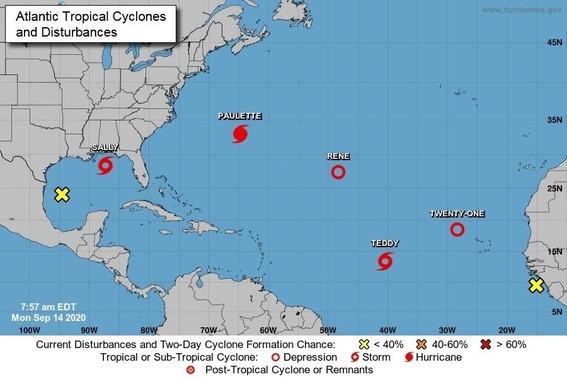 hay cinco ciclones activos en el atlatico 1