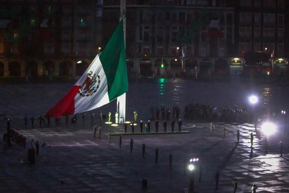 izamiento bandera mexico 19s 3