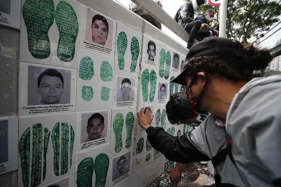 ayotzinapa sexto aniversario 1