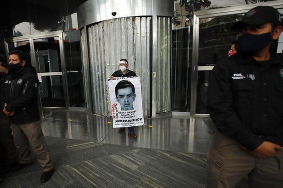 ayotzinapa sexto aniversario 2