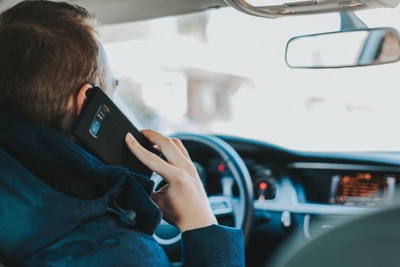 manuel anorve propone la prohibicion de celular en carretera 1