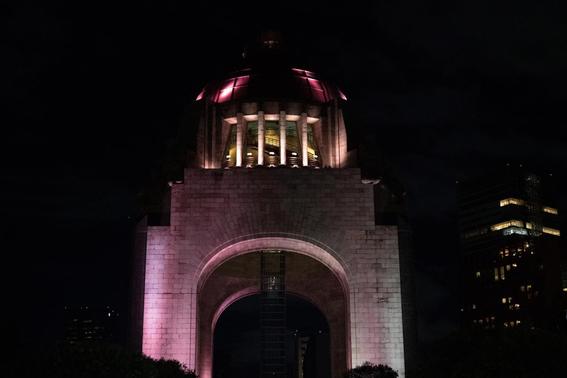 iluminan monumentos de la cdmx por el dia mundial de la alimentacion 1