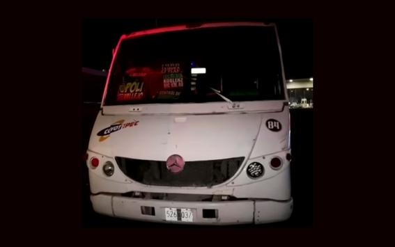 pasajeros asesinan y tiran a asaltantes de autobus en la mexicoqueretaro 1