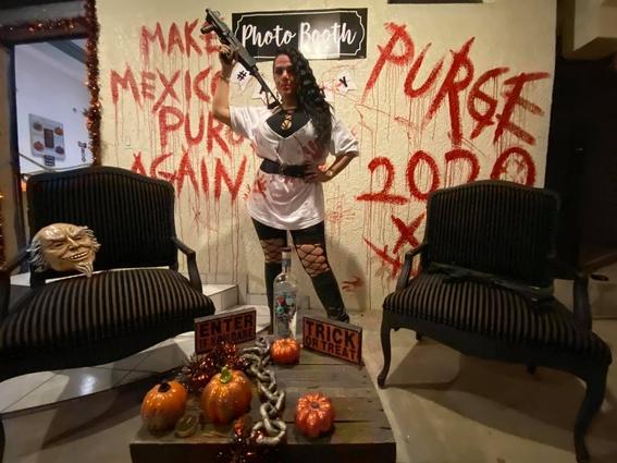 regidora de tijuana se convierte en tendencia por posar con armas en su disfraz de halloween 1