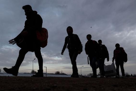 rescatan a migrantes centroamericanos dentro de trailer en veracruz 1