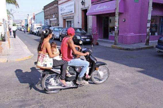 en guanajuato avalan iniciativa que busca prohibir que menores viajen en motocicleta 1