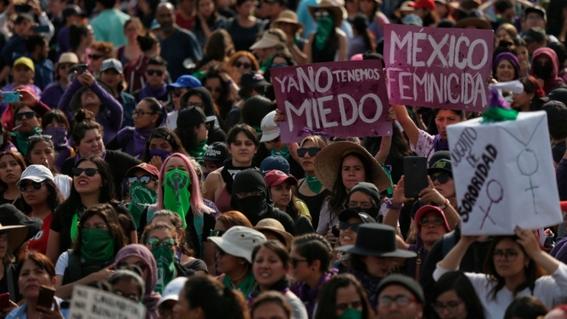 feministas convocan a marcha por el 25n y piden que no haya policias 2