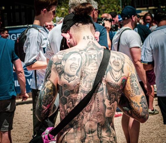 busca prohibir tatuajes menor de edad 1