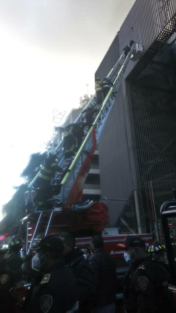 controlan incendio metro cdmx 2