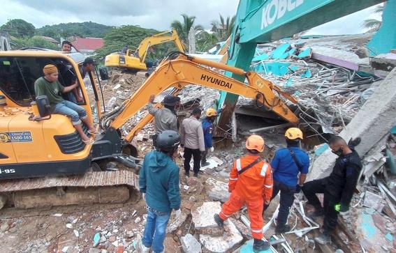 fuerte terremoto en indonesia deja 34 muertos y mas de 600 heridos 4