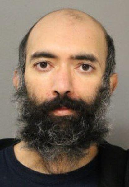un hombre se pasa 3 meses escondido en un aeropuerto por miedo a la covid 1