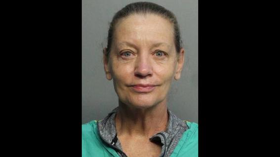 doctora golpea presuntamente a un hispano; ella niega crimen de odio 1