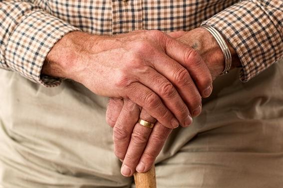 adulto mayor se quita la vida tras acusar a un banco de robar sus ahorros 2